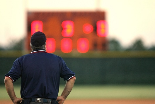 how many major league umpires are there